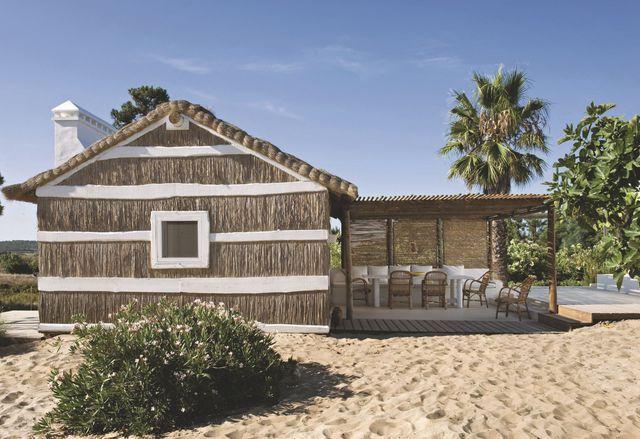 Maison de vacances au Portugal refaite par des décorateurs Beach