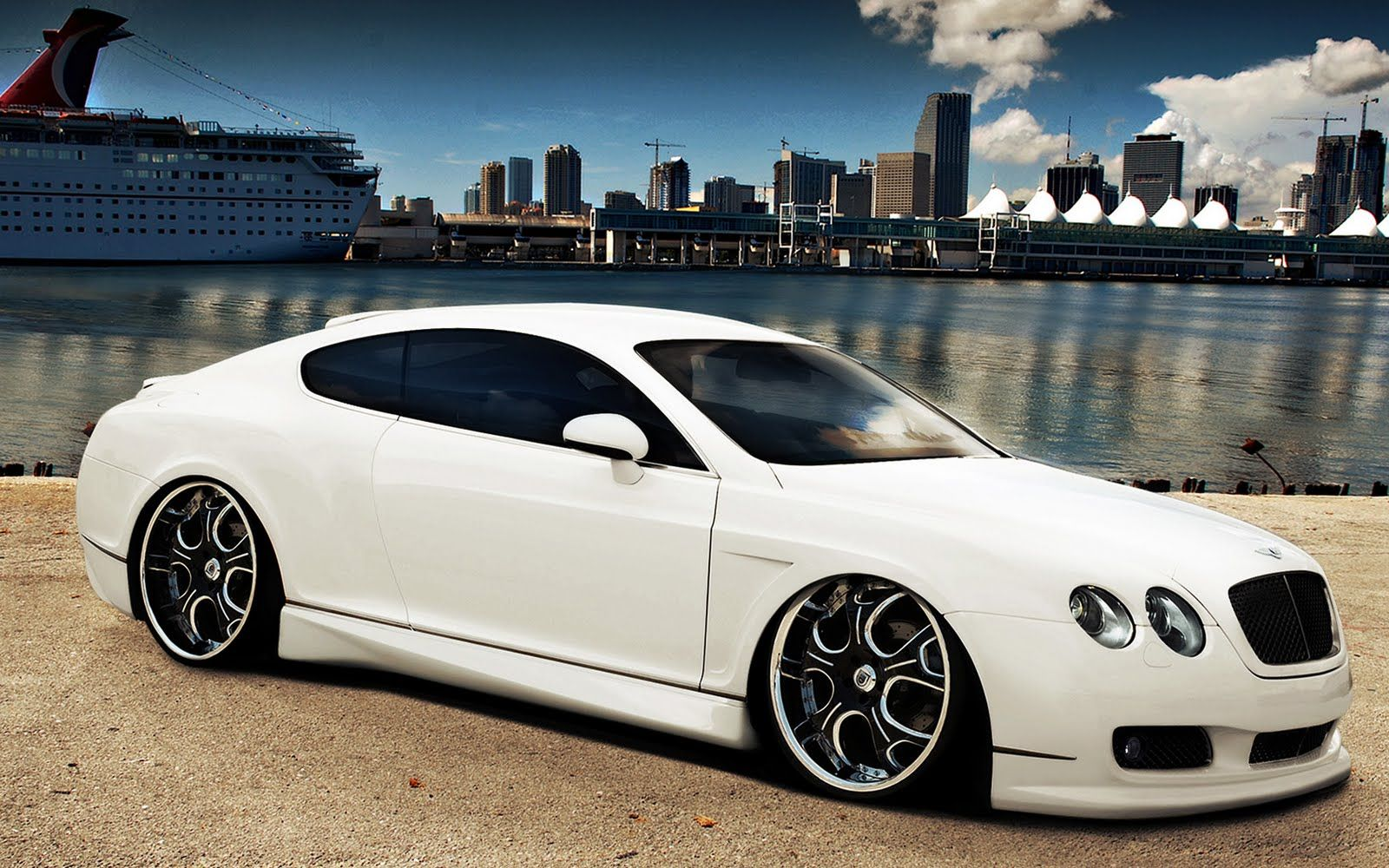 car bentley continental white cool cars bentley continental rh pinterest com