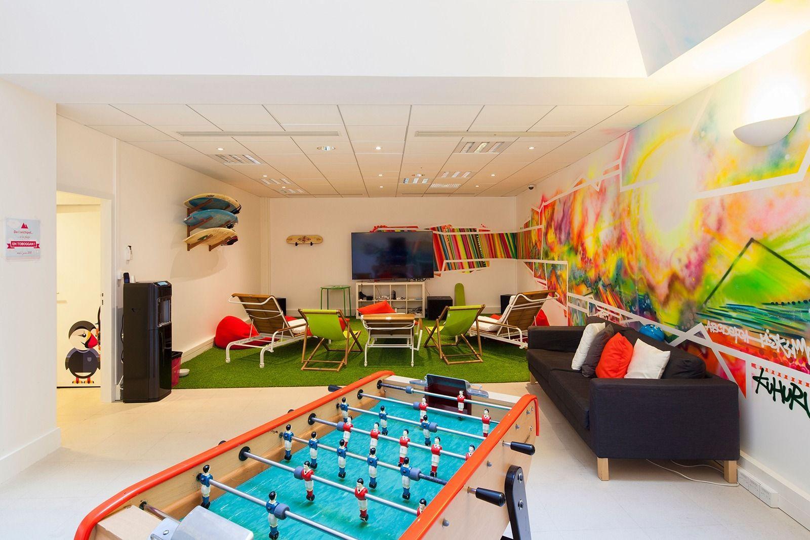An exclusive tour of prestashop s hip paris headquarters for Office design game