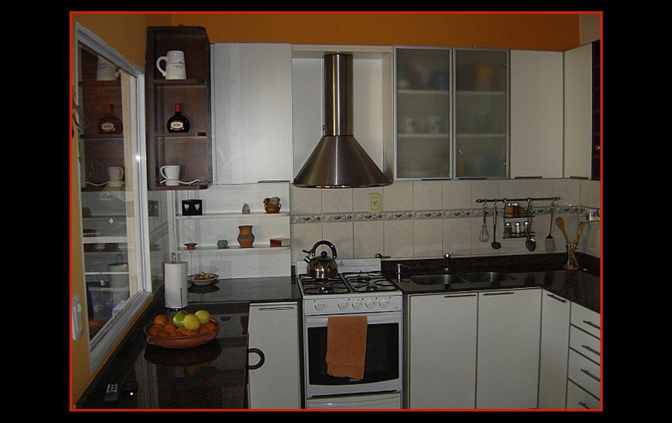 Muebles cocina muebles de cocina placares interiores de for Muebles bajos cocina negro