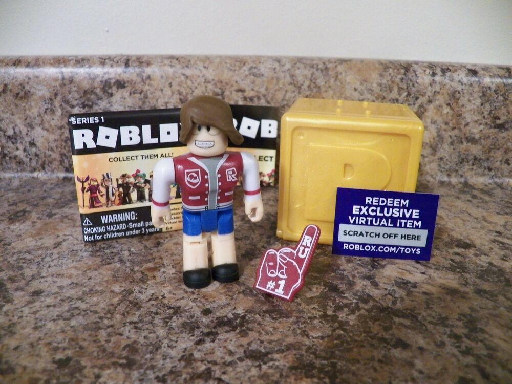 ROCKSTAR Roblox Gold Box Series 1 Toys 3