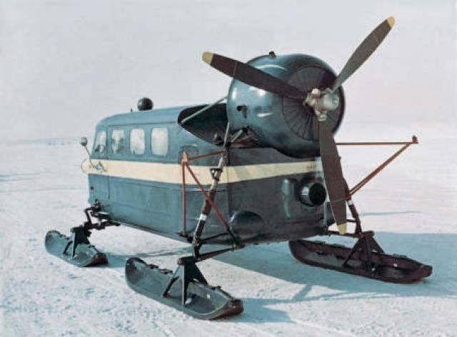 v hicule insolite pour circuler sur la neige insolite chaines neige v hicules insolite sur. Black Bedroom Furniture Sets. Home Design Ideas