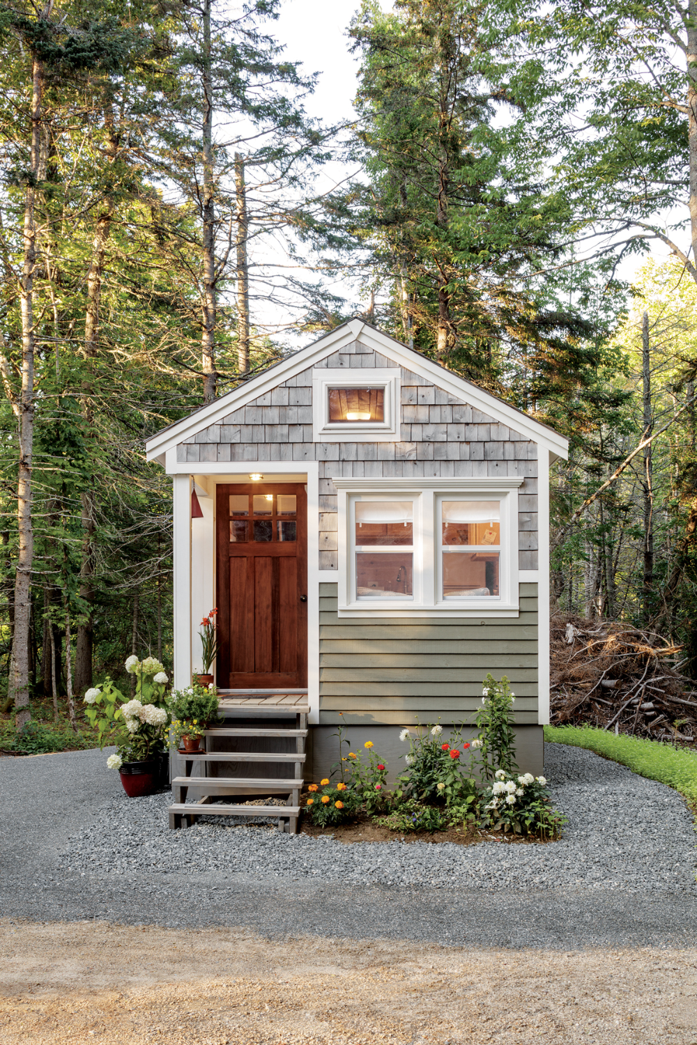 6 Maine Tiny Homes With Lots Of Character In 2020 Tiny House Village Tiny House Exterior Tiny House Ideas Cottages