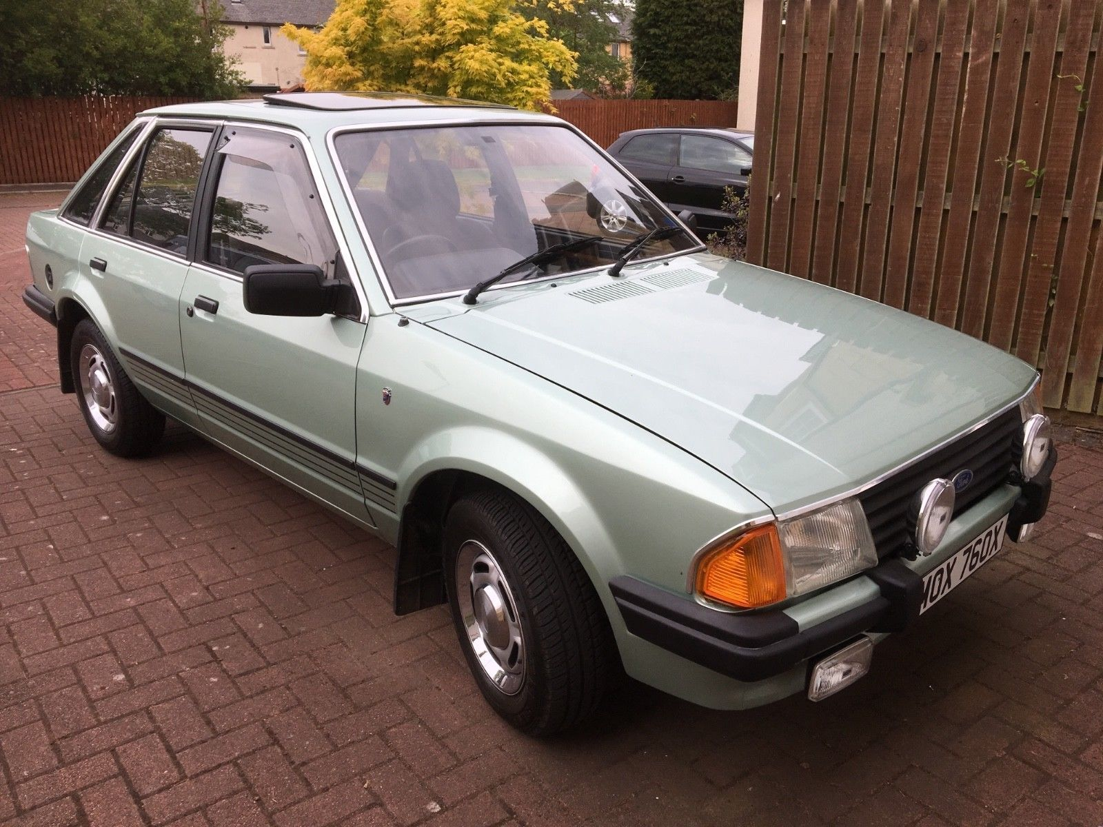 ford escort mk3 1 6 ghia just stunning fast fords ford cars rh pinterest com