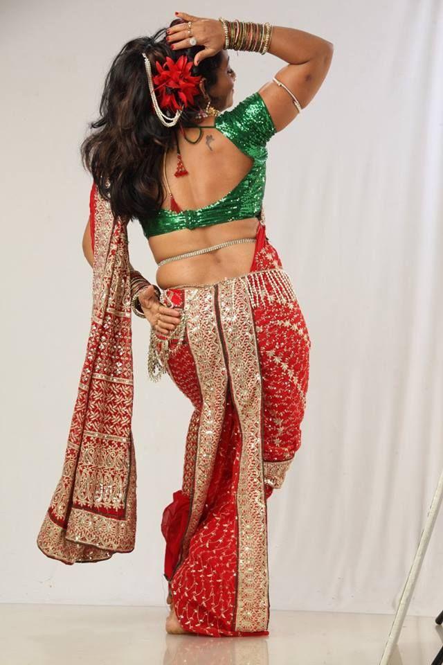 lavani dancer in red nauvari looking gorgeous