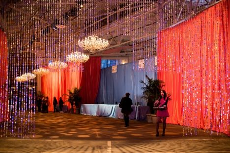 Chandelier charm | Elegant chandeliers bring drama and whimsy to this corporate event at San Francisco's Pier 48. Photo by Show Ready Photography. Lighting Design by Got Light.