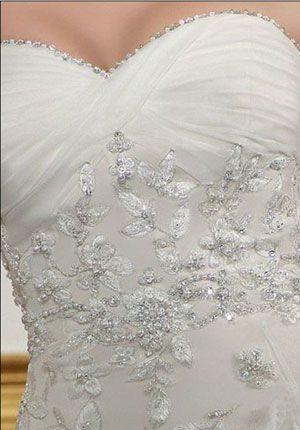 love the bead work | Noivas espetaculares | Pinterest