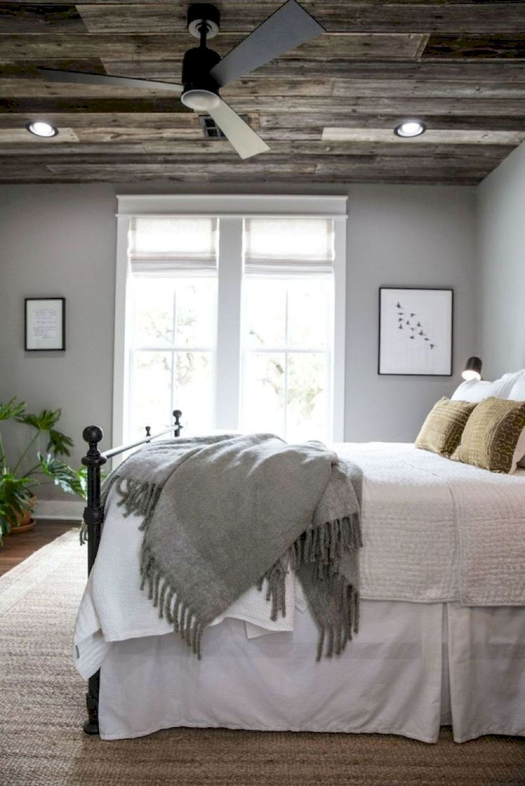 85 Beautiful Farmhouse Master Bedroom Ideas