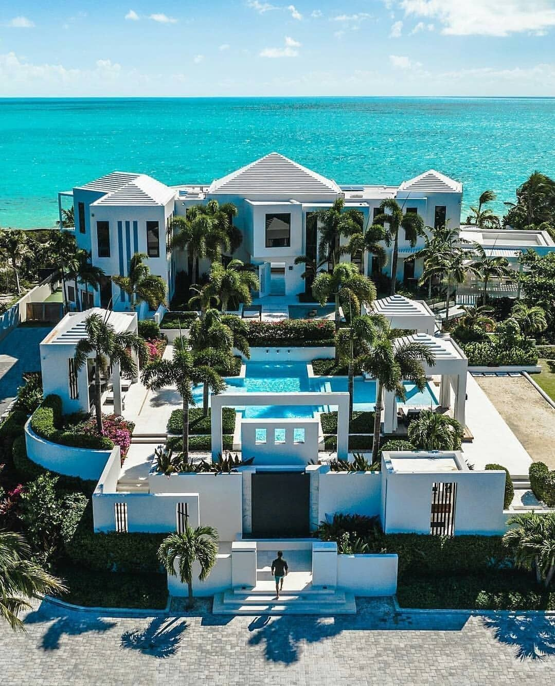 Pin By Lay Lay On Mansoes Dream House Exterior Luxury Homes Dream Houses Mansions Luxury