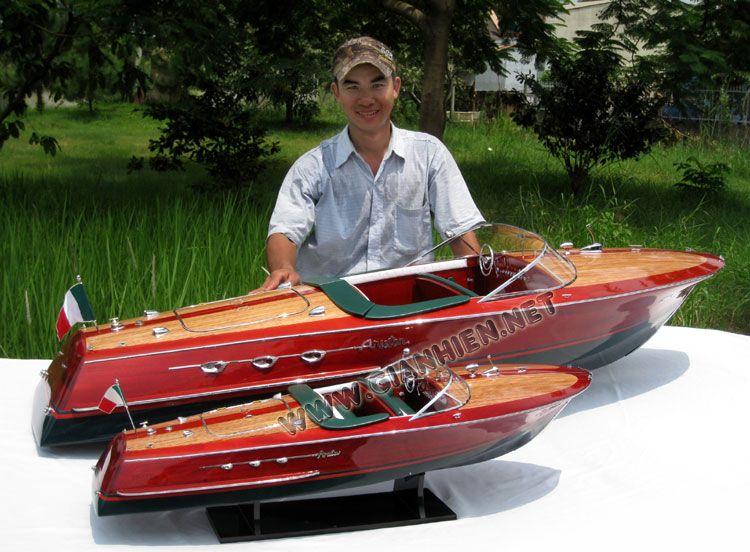 model boat riva ariston set of 2 include 2 different. Black Bedroom Furniture Sets. Home Design Ideas