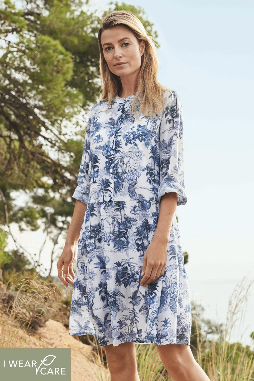 unser liebstes kleid für den sommer: mit tropischem palmen