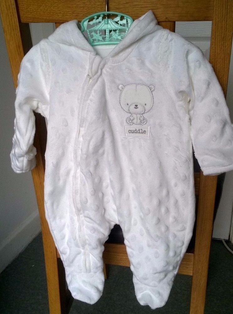 a86a753f0 Baby Boy Girl White Pram Suit Cotton Lining Tiny Baby 6lbs  George ...