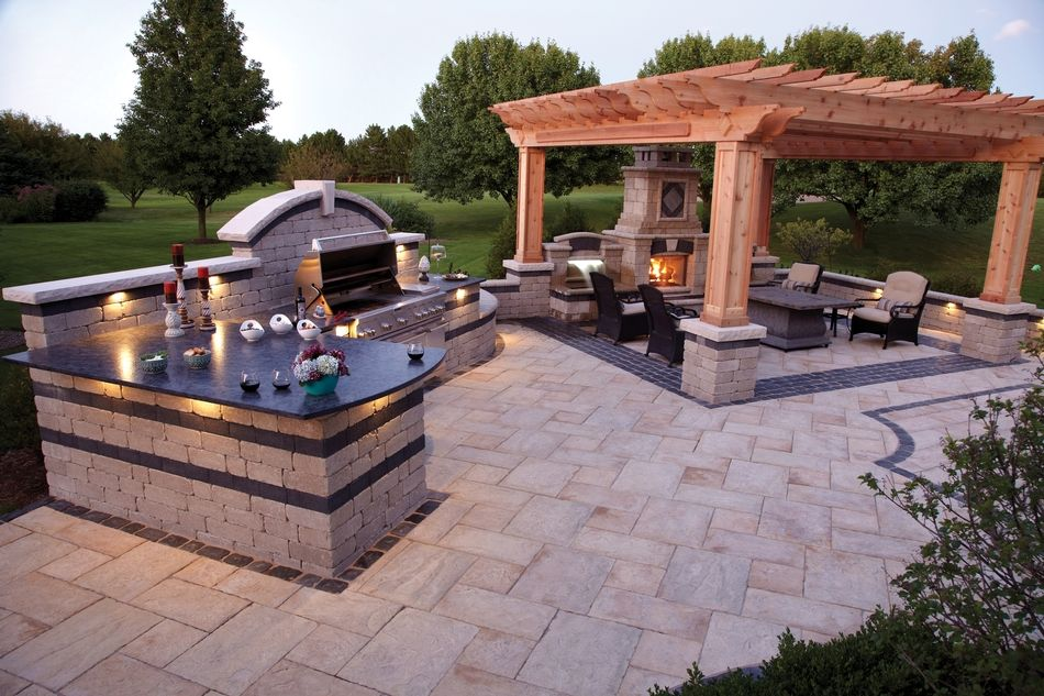 Outdoor living room with olde quarry bbq grill island for Outdoor pool room ideas