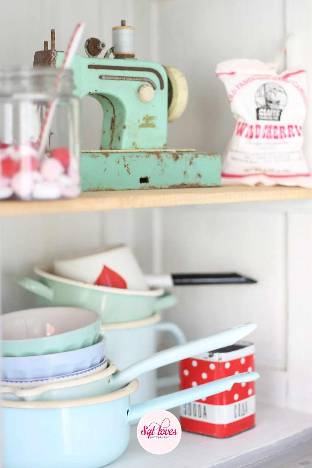 Syl loves, happy kitchen, pastel red, white, retro, minty mint ...