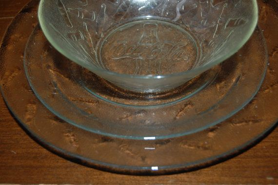 Vintage Set of Clear Coca Cola/Coke Plates and Bowls Clear Frosted Glass & Vintage Set of Clear Coca Cola/Coke Plates and Bowls Clear Frosted ...