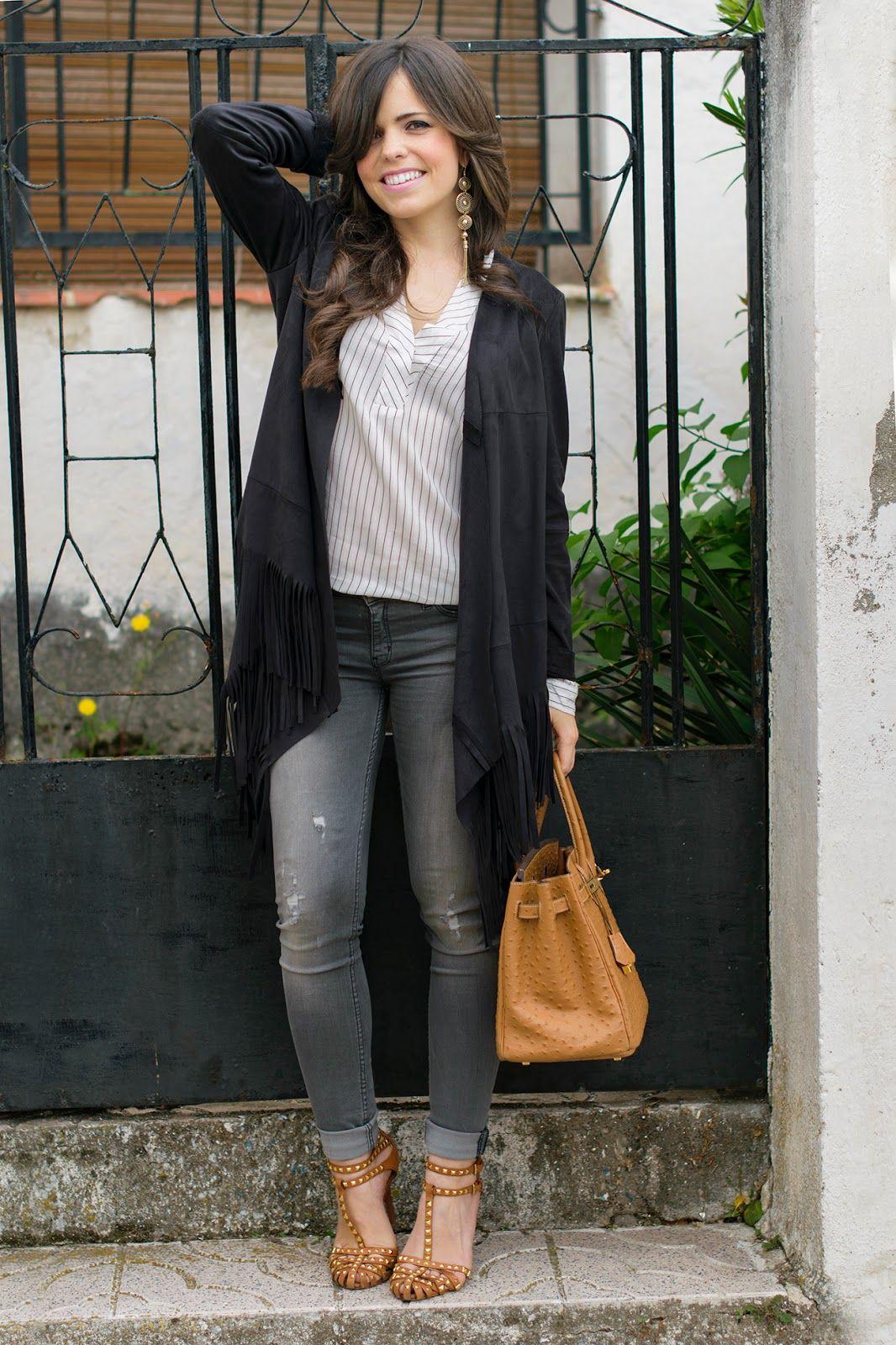 ac04009e6 Look estilo boho con jeans grises | outfits | Jeans grises, Ropa y Jeans