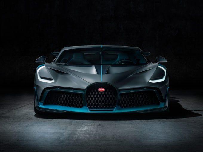 Bugatti Divo Price Specs Photos And Review Fast Sports Cars Bugatti Cars Sports Cars Bugatti