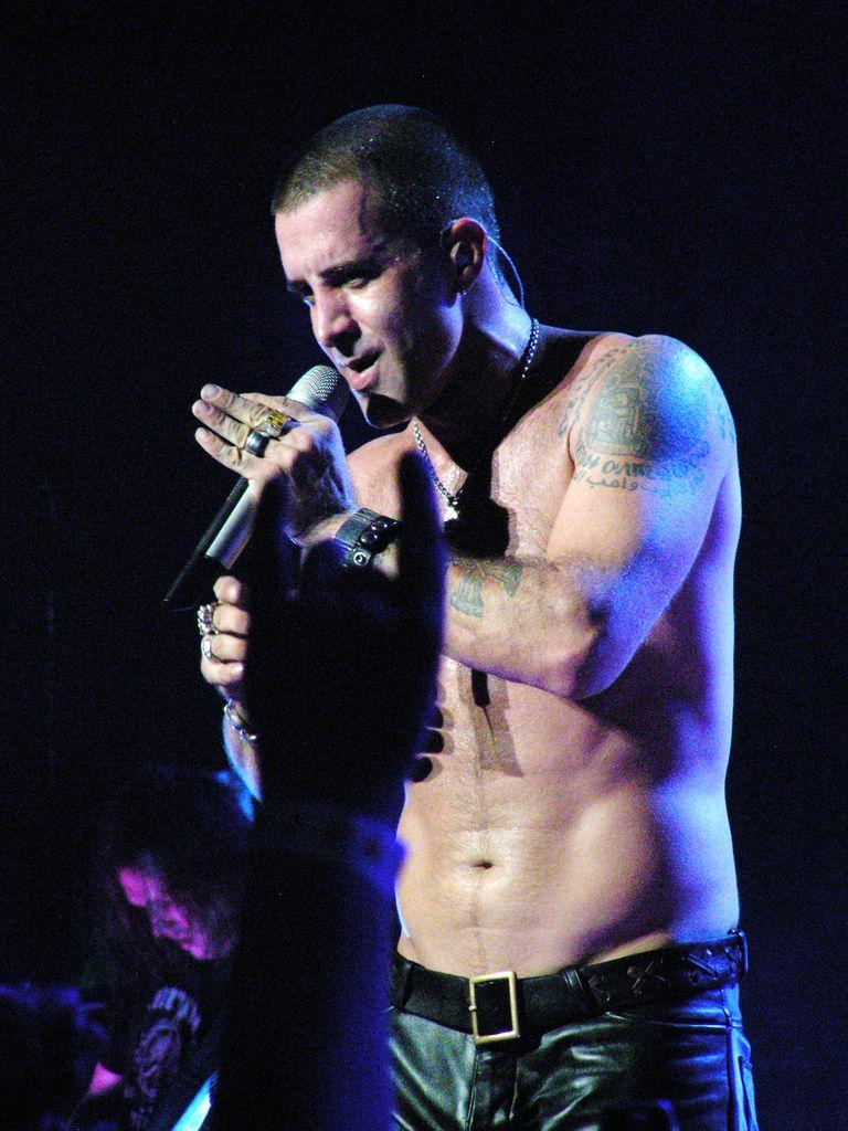 Scott stapp shirtless scott stapp and music artists scott stapp shirtless kristyandbryce Images