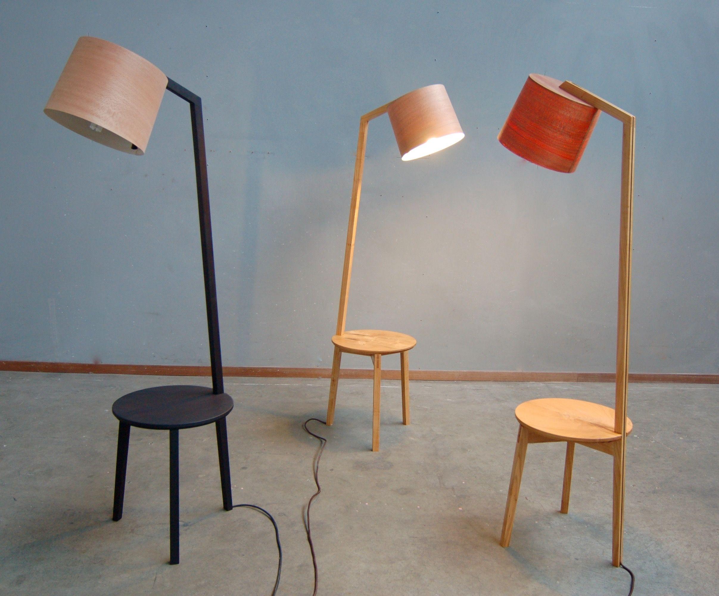 Leeslamp Met Tafeltje.Lees Lamp Tafel Lamp En Tafeltje In Een Fraai Ontwerp
