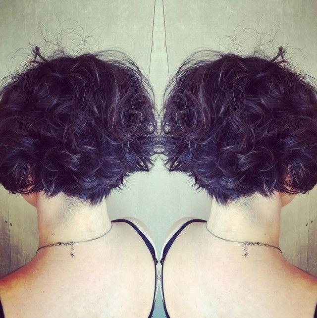 22 Hottest Graduated Bob Hairstyles Right Now Hairstyles Weekly Hottest Hairstyles For Wome Curly Hair Styles Naturally Hair Styles Haircuts For Curly Hair