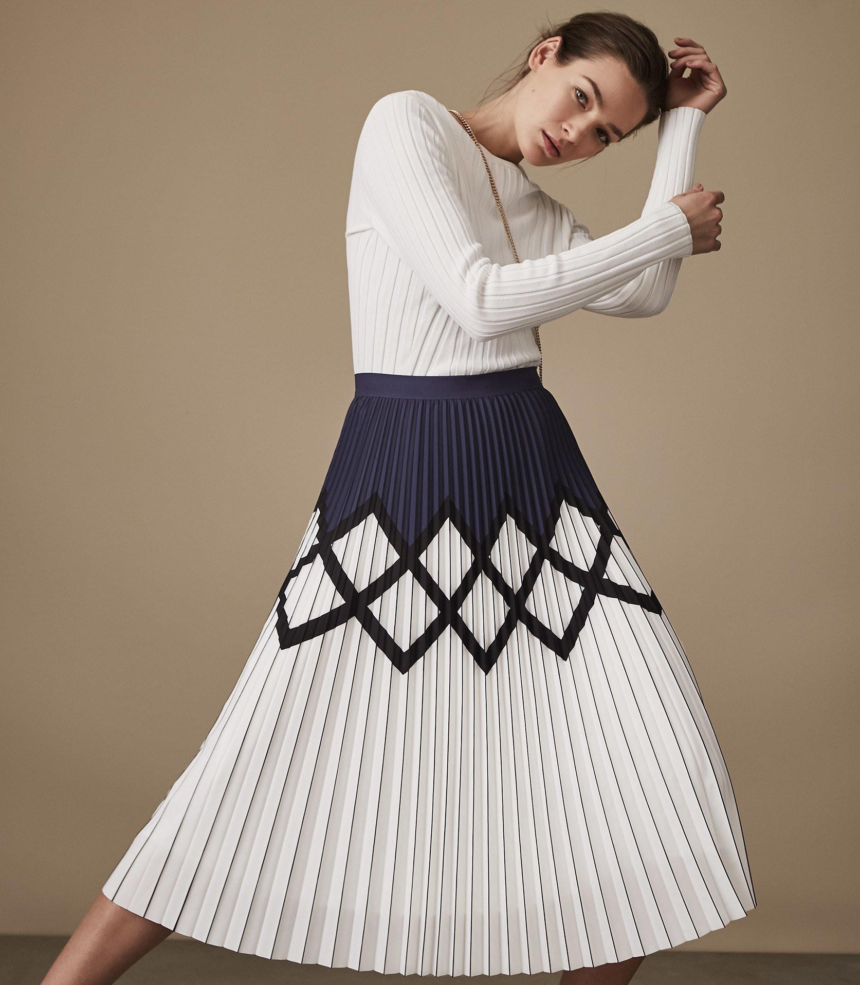 fede555e1 Reiss Elsa Printed Knife-Pleat Midi Skirt Navy/White - 10   Products ...