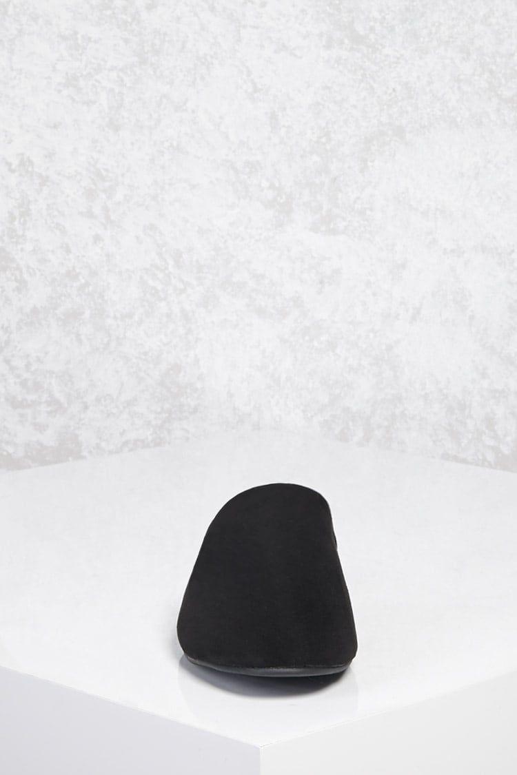 PEDIDOS SOLO POR #ENCARGO  #LookBookJulio2017  Código: F-57 Faux Suede Slip-On #Mules Color: Black Talla: 6-7-8-9-10-11 Precio: ₡13.500 📱 Whatsapp 8963-3317 o escribir al inbox. 📬 Envíos a todo el país. #MayaBoutiqueCR 💖