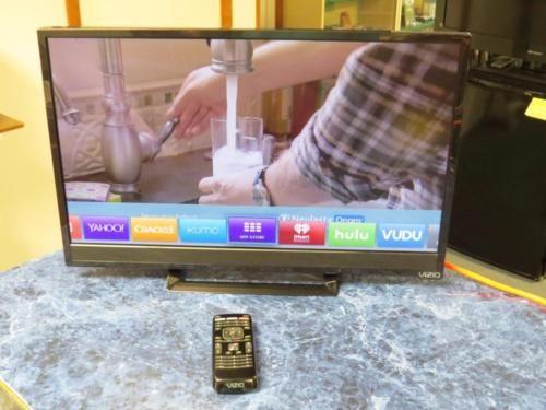 Vizio (E24-C1) 24 1080p 60Hz Razor LED Smart TV w/ Remote  Nice! https://t.co/EcjKSybSHR https://t.co/9JgnX8ODFs