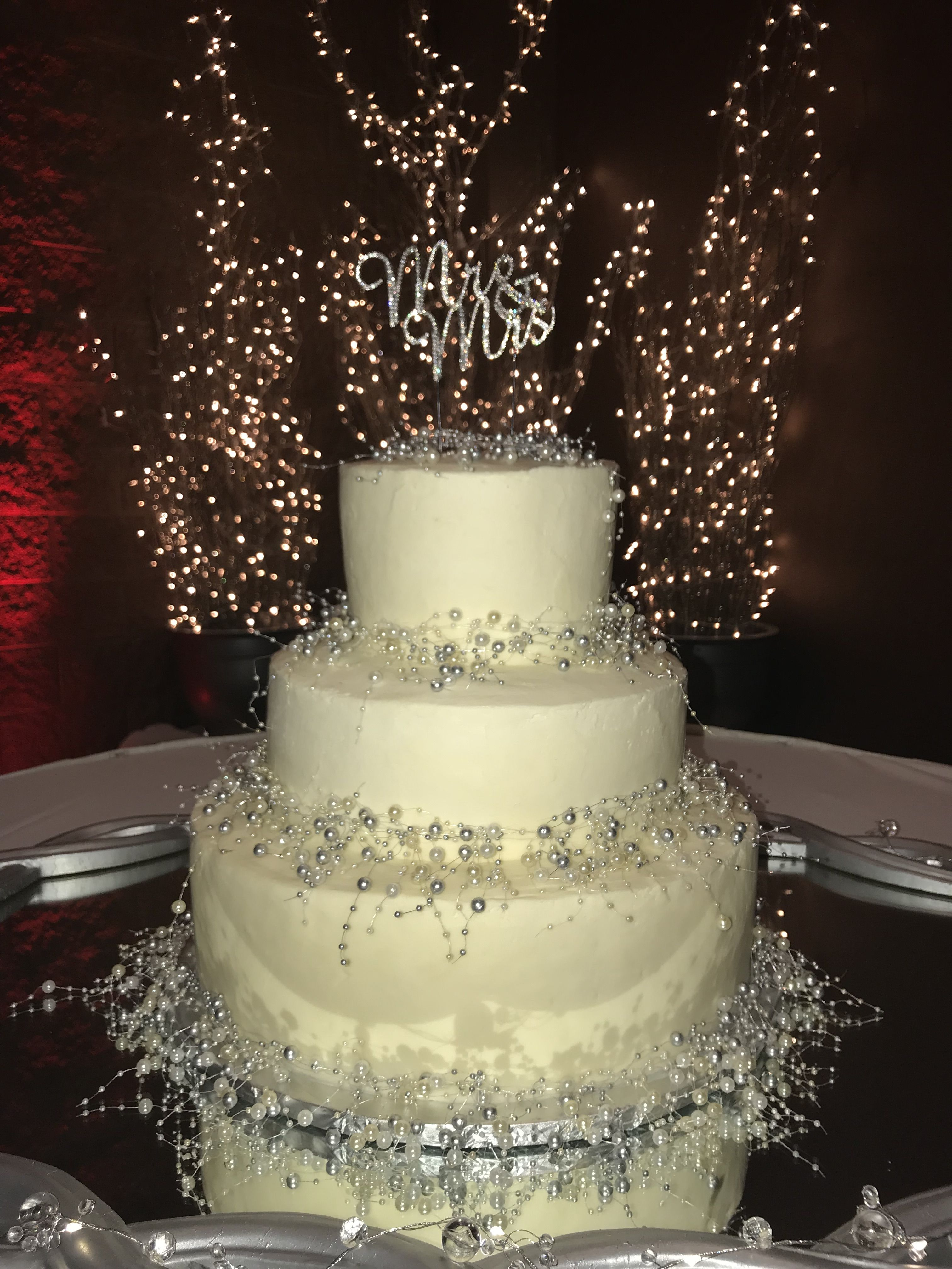 New Years Eve Wedding Cake By Patti S Kitchen Dublin Ohio