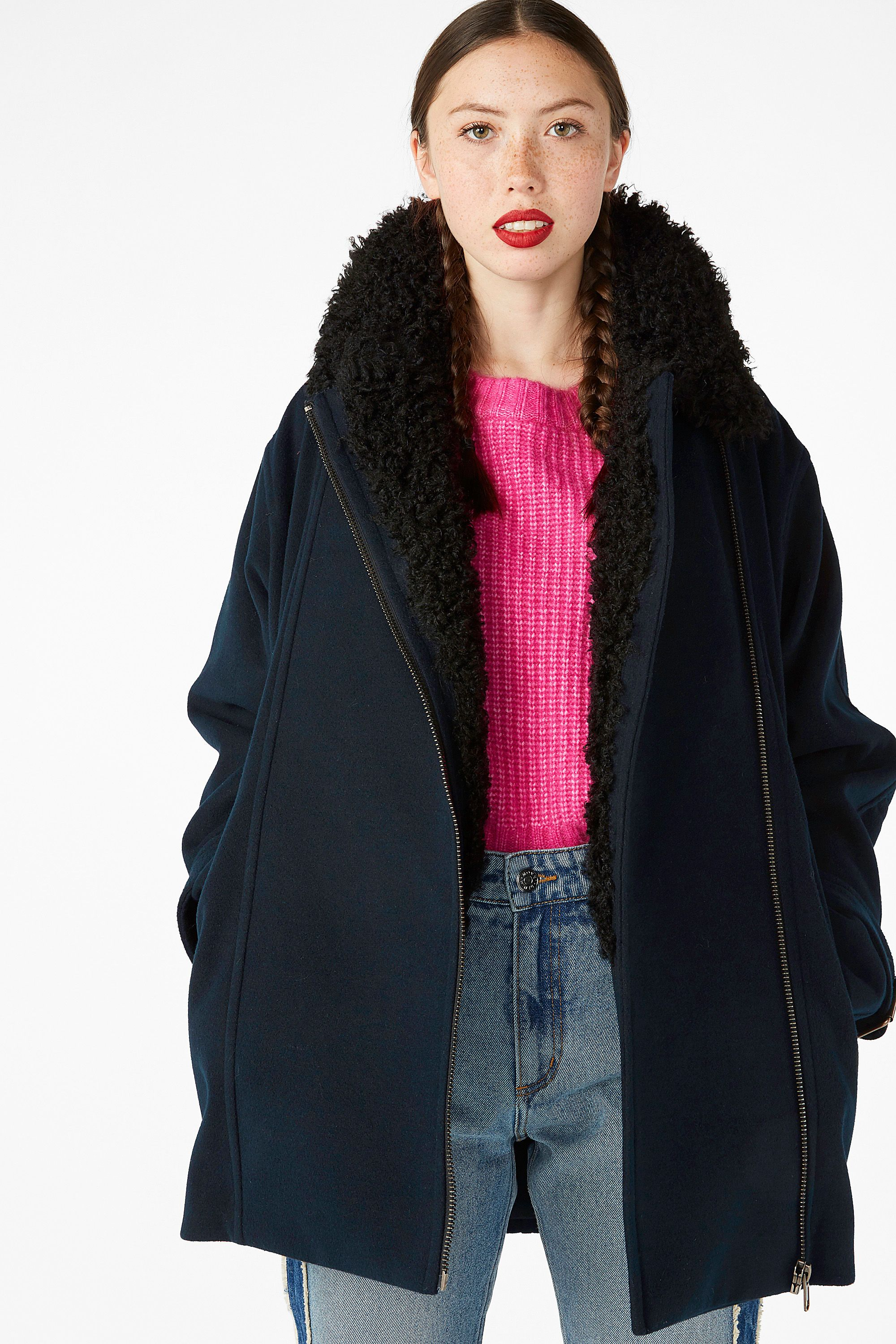1480bcecfcf560 Coat with faux shearling collar - Black magic - Coats   Jackets - Monki GB