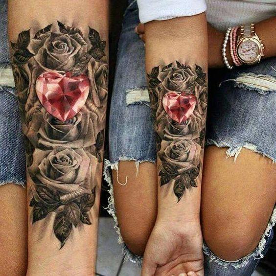 Tatuaże Damskie Róże I Serce Tatuetki Tatuaże Tatuaż I