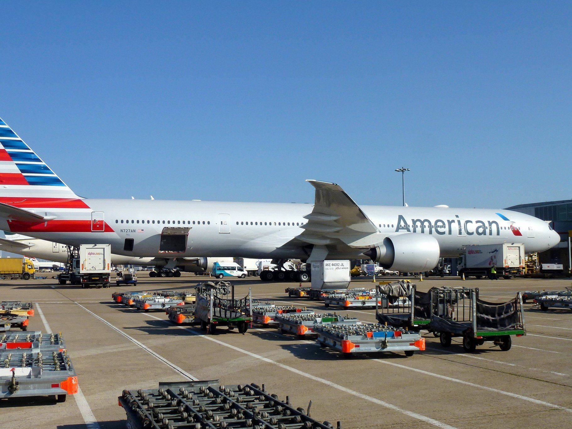 American Airlines jet delayed 27 hours after pilot, gate