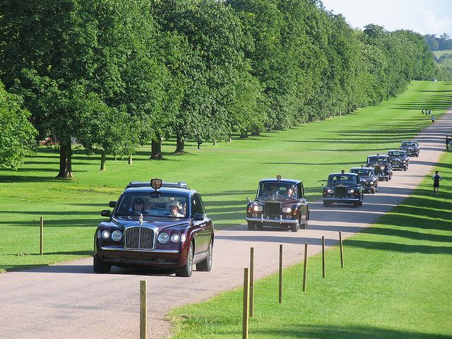 The royal cavalcade returning from Royal Ascot by Niquinho, via Flickr