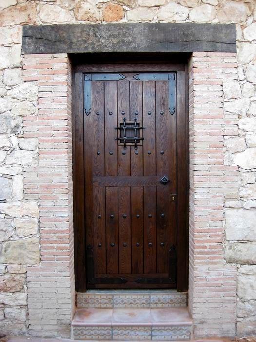 Puerta rustica guadamur portada madera pinterest for Puerta madera rustica