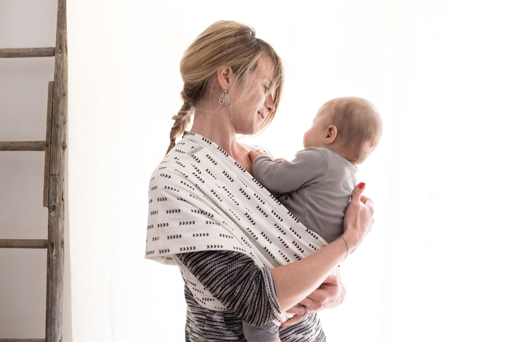 Studio Romeos Baby Sling Offers You An Alternative To Hardtoknot - Porte bebe studio romeo