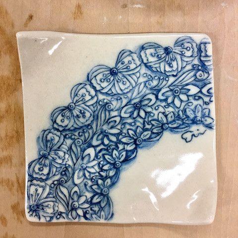 ゼンタングルレース柄の お皿を焼きました E Art & Crafts