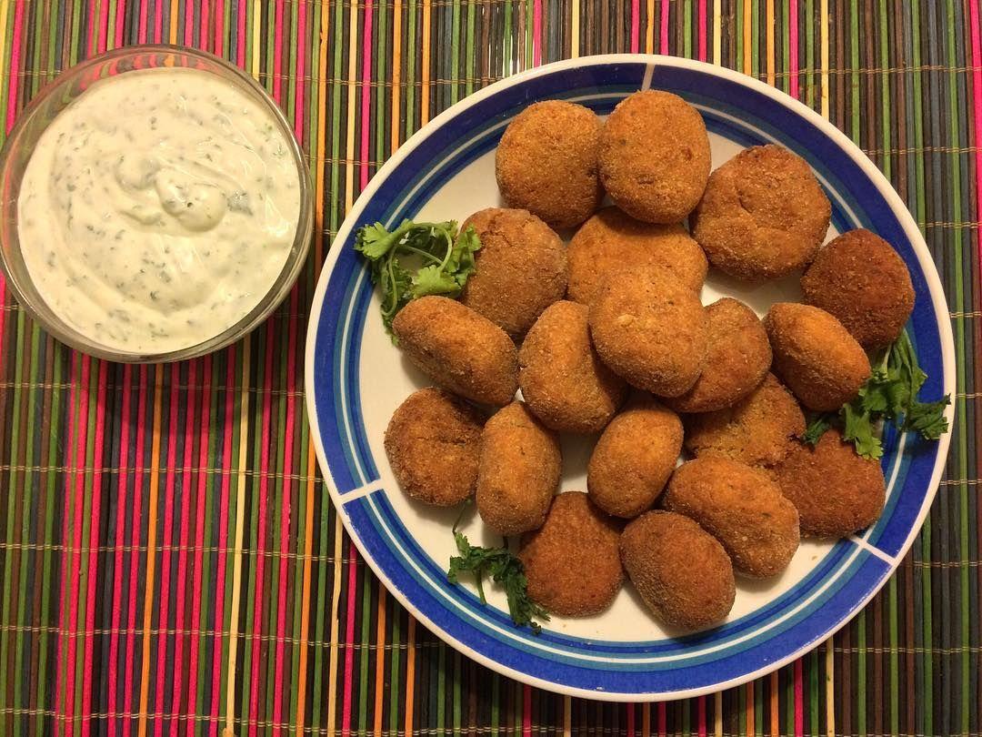 Se pensó y se hizo! Receta de hoy: falafel  #falafel #arab #middleeast #garbanzos #chickpeas #arabfood #nomeat #vegan #veganfood #veggies #vegetarian #veganmeal #food #foodporn #nofilter #scl #foodmood #instamood #instagood #picoftheday