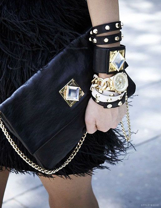 Rock n roll black and gold. Details In Streetstyle.