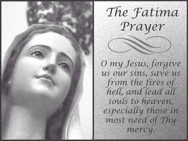 SAY THE PRAYERS IN THIS ORDER: Sign of the Cross: Apostles' Creed; Our  Father on First Large Bead; Hail Mary's on the Three Small Beads; Glory Be  and Fatima ...
