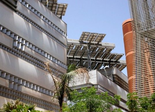 7 Gorgeous Green Buildings In The Middle East Eco City Green Building Building
