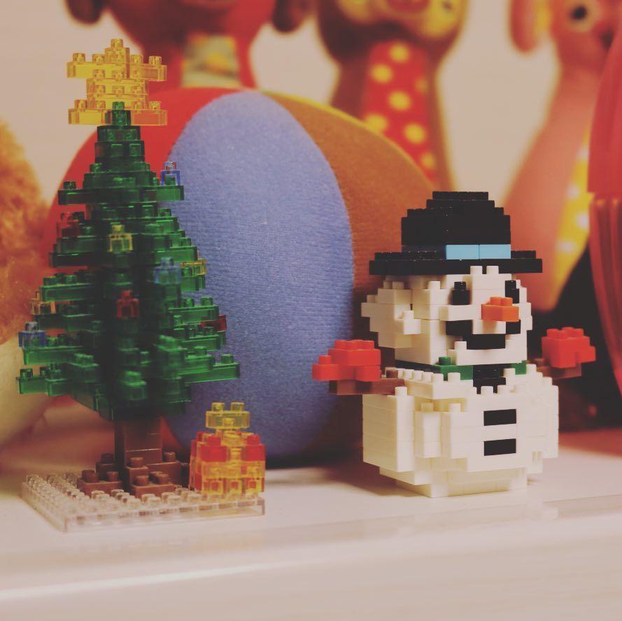 "71 mentions J'aime, 5 commentaires - TAKESHI (@jerkman_take) sur Instagram: ""#nanoblock #snowman #tree"""