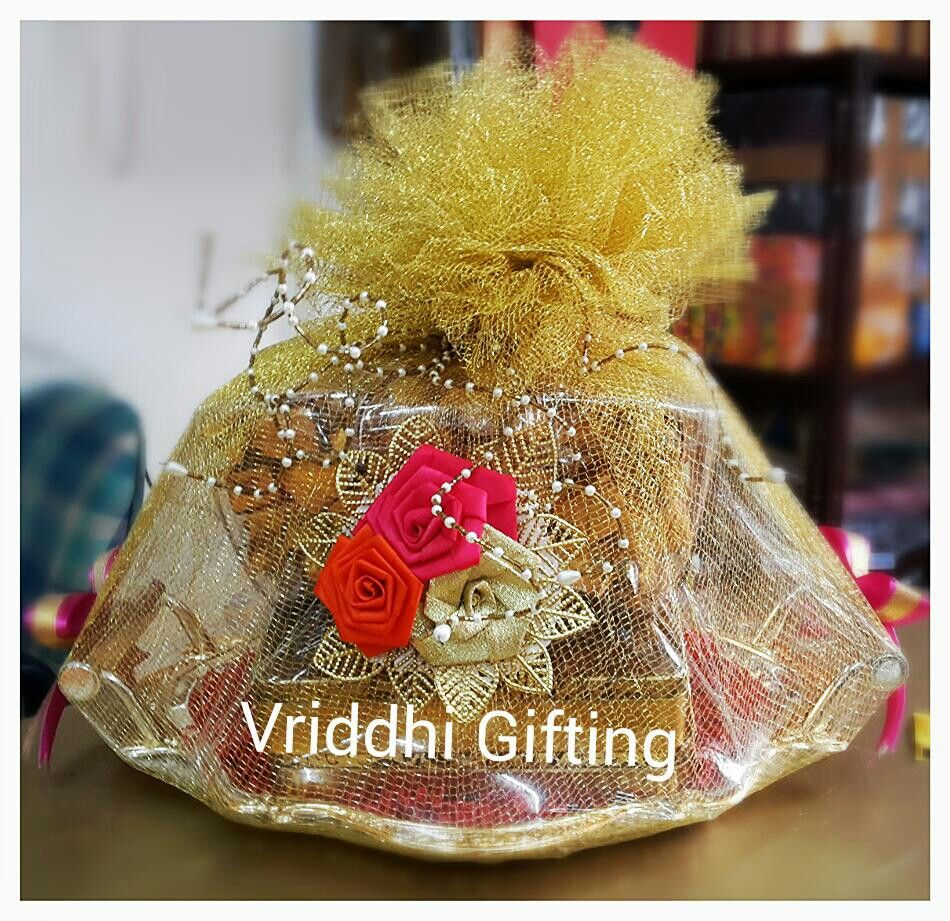 Indian Wedding Gifts: Indian Wedding Trousseau Gift Packing.
