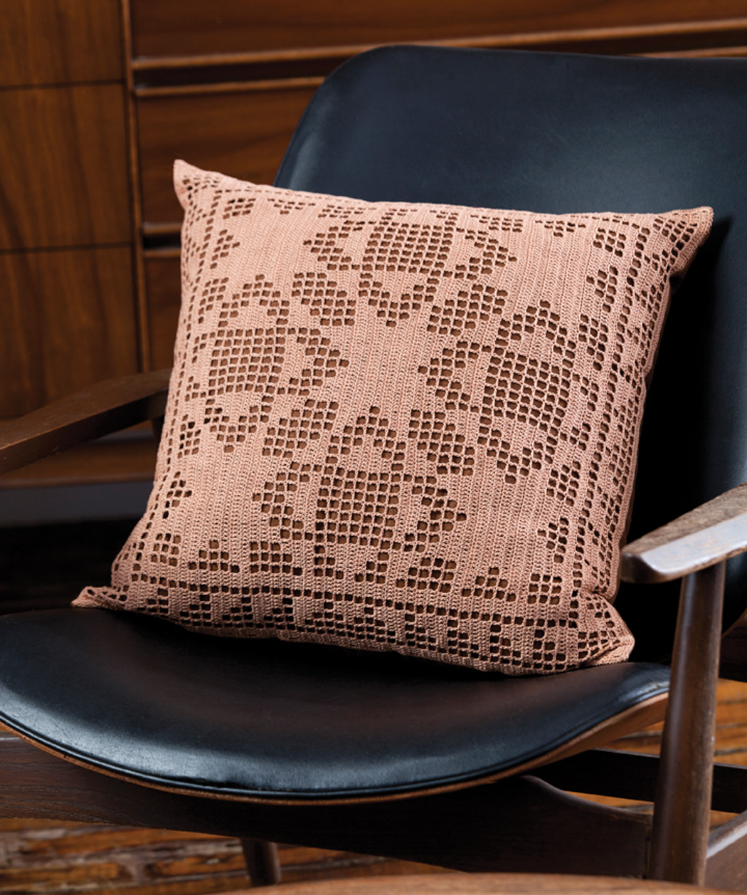 Quilt Block Filet Pillow - free pattern from Red Heart | Crochet ...