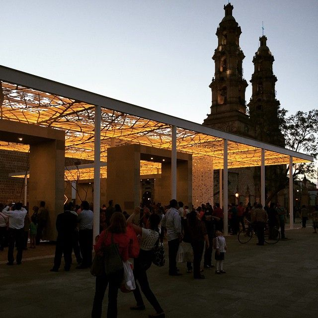 """Inauguración #PatioDeLasJacarandas #JanHendrix #Aguascalientes"""