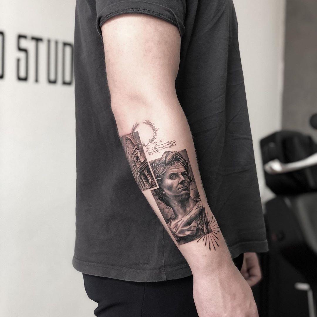 ▪️ @ma.ink ▪️ . Waow.. bare waow.. Vores artist Mathilde gør det igen💪🏼 Sindssygt fedt design, og udførelsen er jo også vanvittig skarpt🔥 . Åben for bookinger Kontakt os direkte, eller benyt dig af vores kontaktformular i vores bio for mere information omkring dit næste projekt . #realistictattoo #realism #realistic #realismtattoo #rome #colosseum #rometattoo #tattoo #ink #inked #inkedup