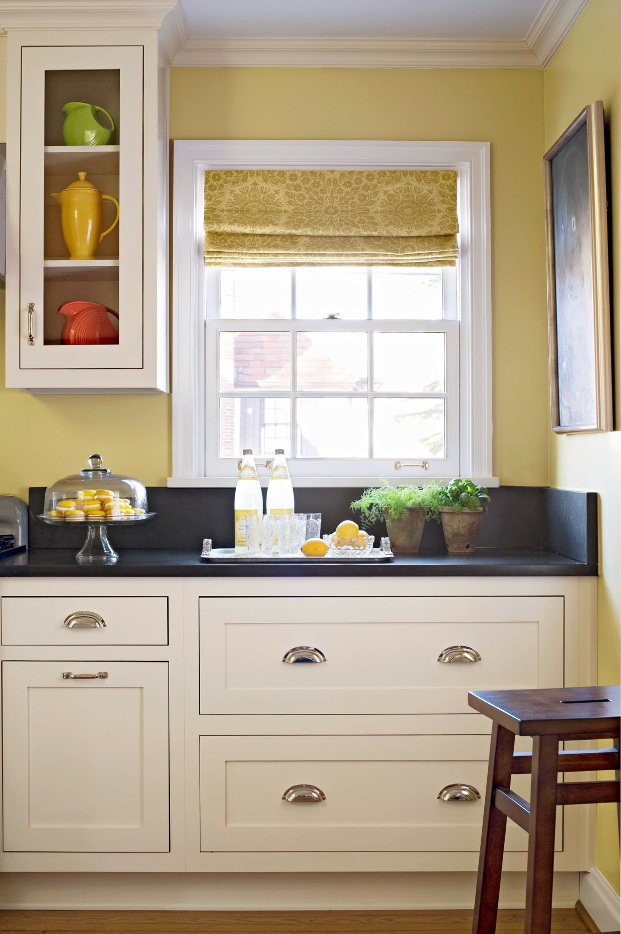 19 Popular Kitchen Cabinet Colors With Long Lasting Appeal Yellow Kitchen Walls Painted Kitchen Cabinets Colors Kitchen Design