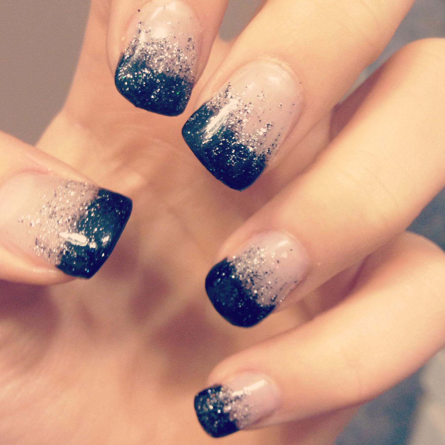 Simple yet elegant - New Years nails - gel nails | Nails | Pinterest