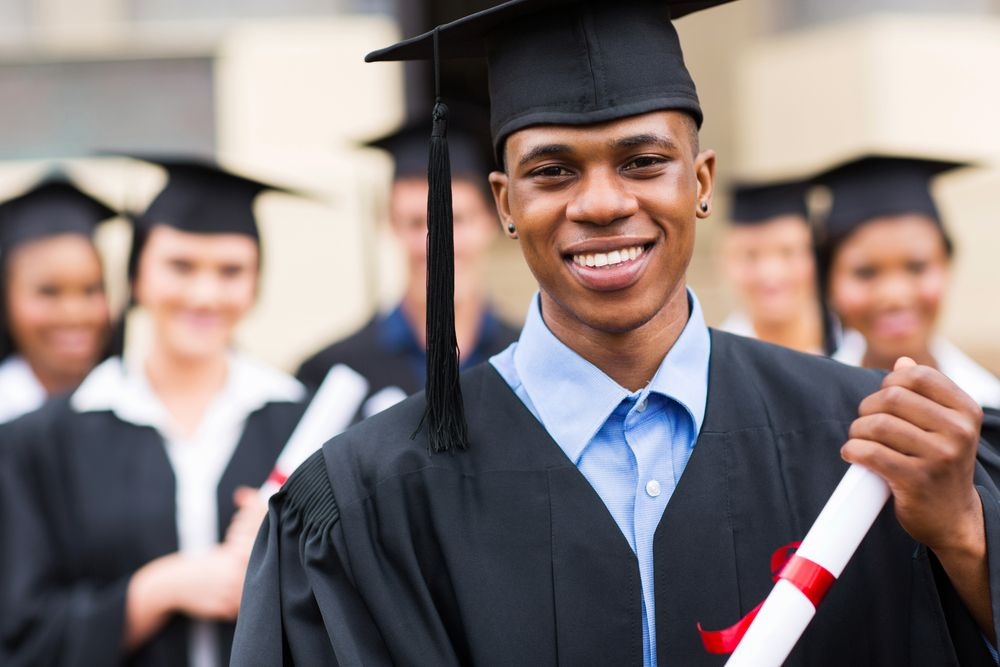 How To Wear A Cap Gown Without Looking Like An Idiot College Degree International Students Career Schools