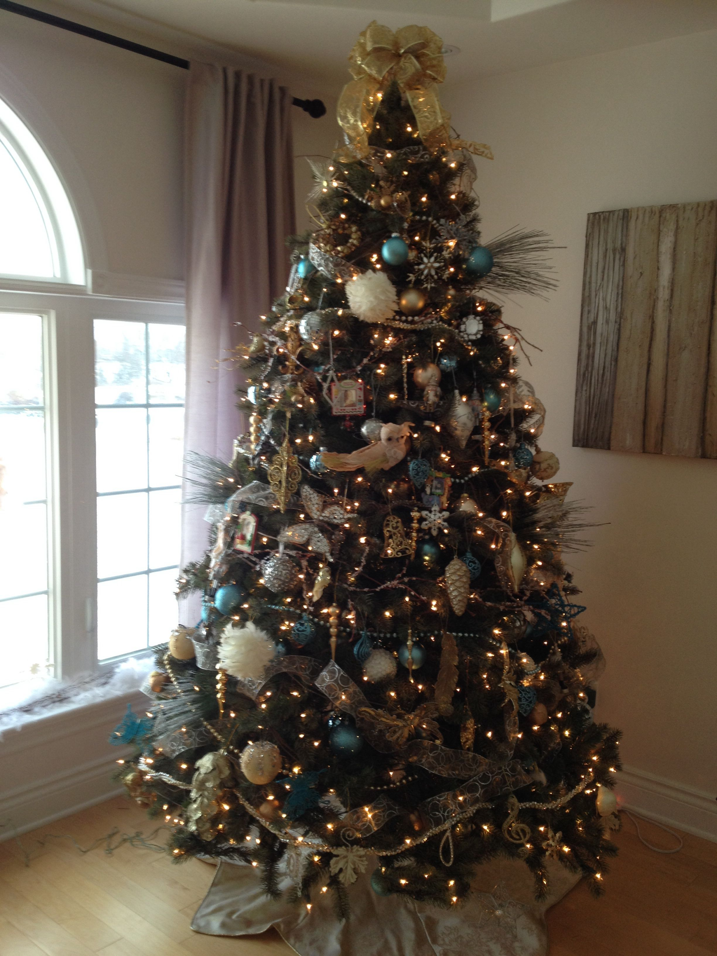 Gold Silver Ivory White And Tiffany Blue Christmas Tree Silver Christmas Tree Decorations Blue Christmas Decor Silver Christmas Tree