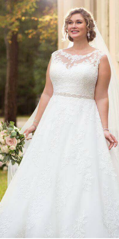 Plus size summer wedding dresses  Beautiful Summer plus size curvy women Wedding dresses On Beach