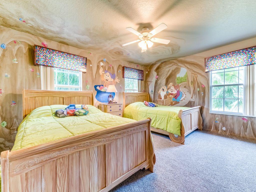 Seven Dwarfs Room Seven Dwarfs Room